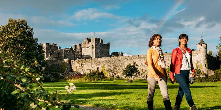 The Curious History Of The Rock Of Cashel - Wallis Arms Hotel