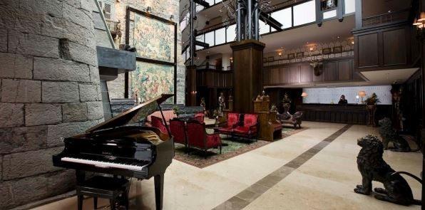 Clontarf Castle – Lobby