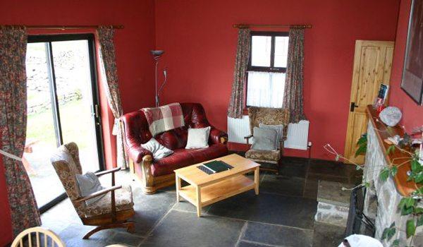 Doolin-Cottages—Liv2