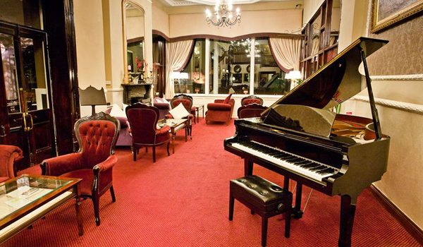 Lake-Hotel—Lounge
