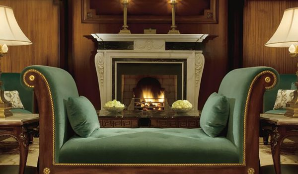 Ritz-Carlton---Lounge-Fire