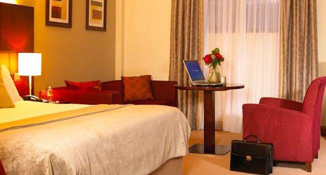 Trim-Castle-Hotel—Room