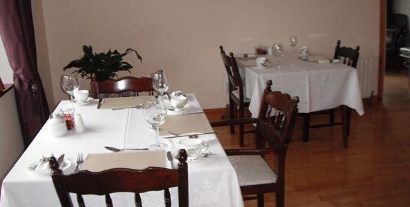 Briar Lodge – Dining