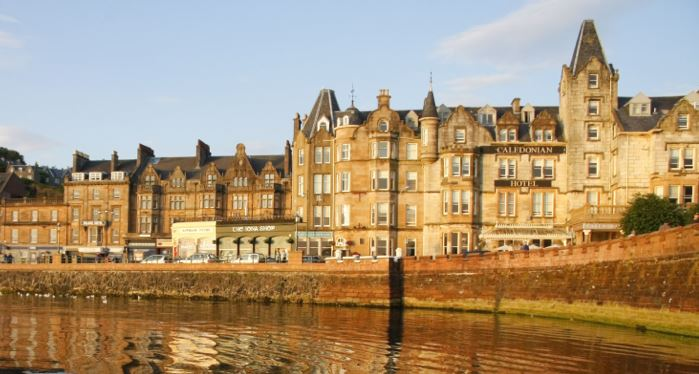 Caledonian Hotel – Ext