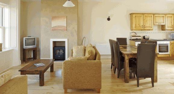 Doolin Court Cottages – Liv