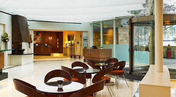 Marriott Kensington – Lobby