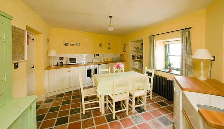 Castletown Round – Kitchen