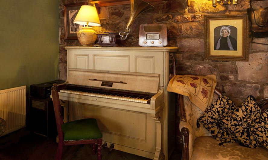 Glen Mhor – Piano