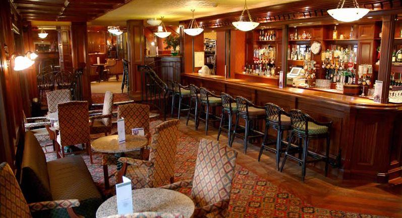 Kees Hotel – Bar