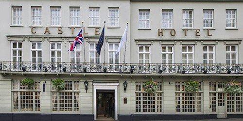 1_McGallery_Castle_Hotel_Windsor_England_Outside