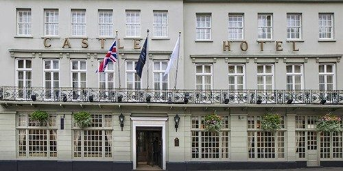1_McGallery_Castle_Hotel_Windsor_England_Outside