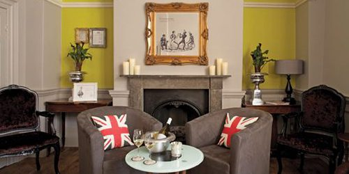 2Queensbury_Hotel_commonroom