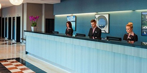 3_Jurys_Inn_Plymouth_England_Reception