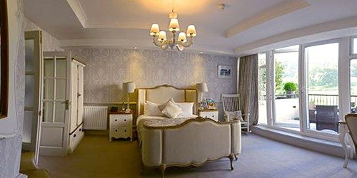 6Grasmere_RedLion_Room2