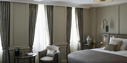 6_McGallery_Castle_Hotel_Room_windsor_england