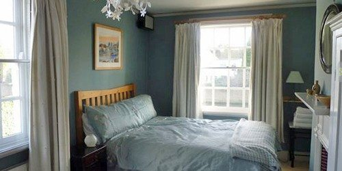 7_Manor_Cottage_Room