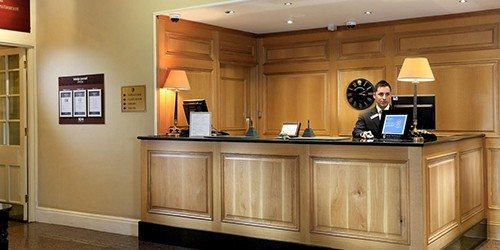 2-macdonald-old-england-hotel-reception