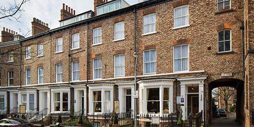 1-hedley-house-hotel-outside