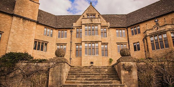 1-foxhill-manor-outside