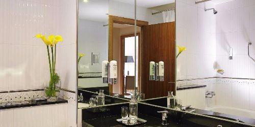 6-connacht-hotel-room-galway-ireland