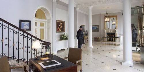 merrion-hotel-dublin-ireland-front-hall