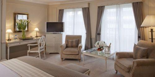 merrion-hotel-dublin-ireland-room-3