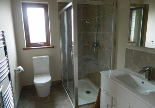 Agivey-Lodge-Bathroom (2)