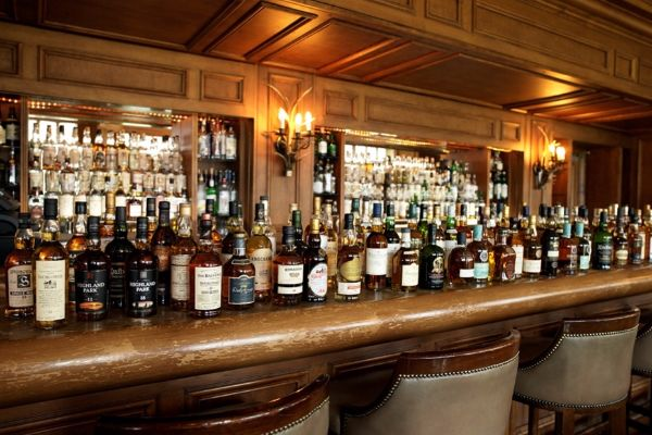 Whisky_Bar (Medium)_650866781