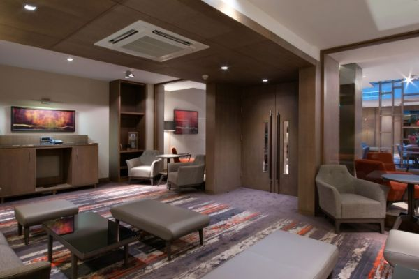 clayton-hotel-chiswick-business-lounge-1-960x470_c