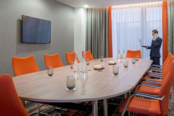 meeting-room-chiwick-west-london-w4-1-960x470_c