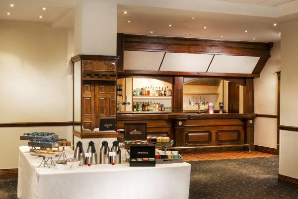 park-inn-by-radisson-cardiff-city-centre_151142418738