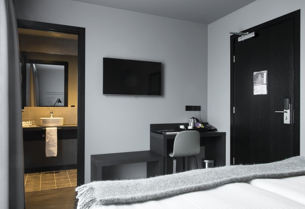 skuggi-hotel-double-room-11