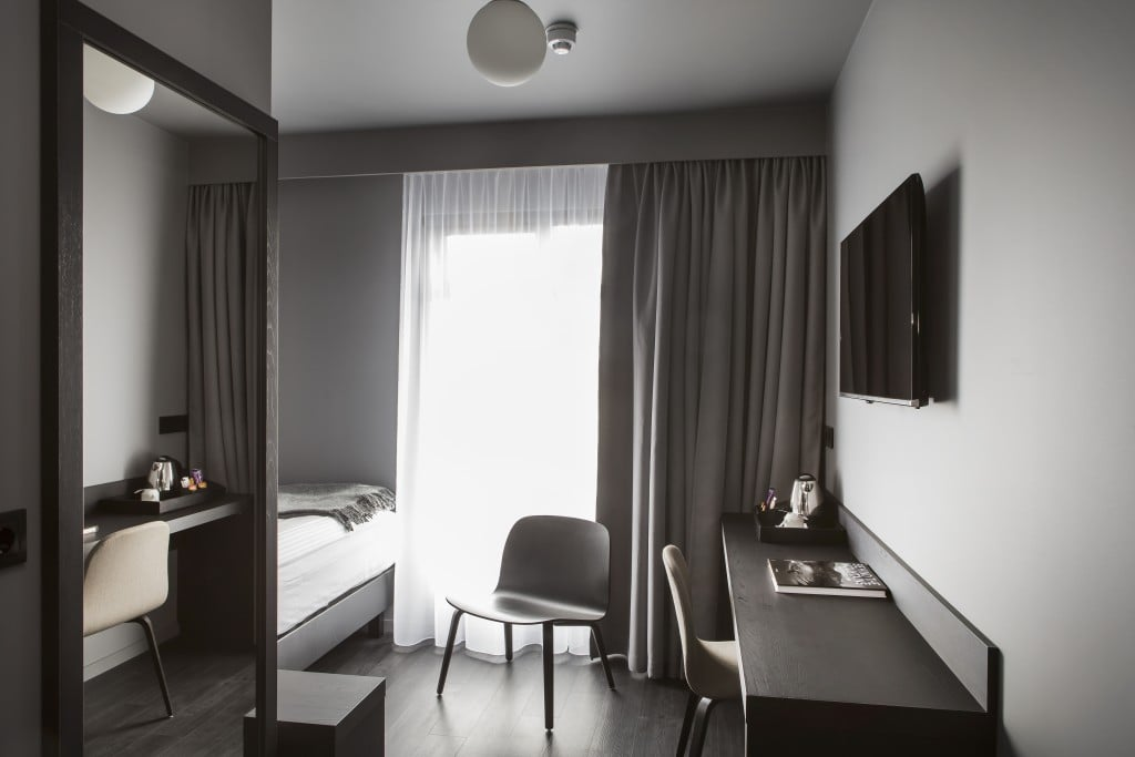 skuggi-hotel-single-room-1