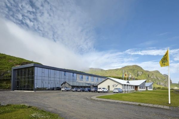 icelandair-hotel-vik-exterior-2