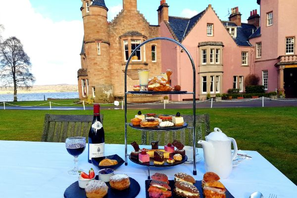 Bunchrew-House-Hotel-Afternoon-Tea_600