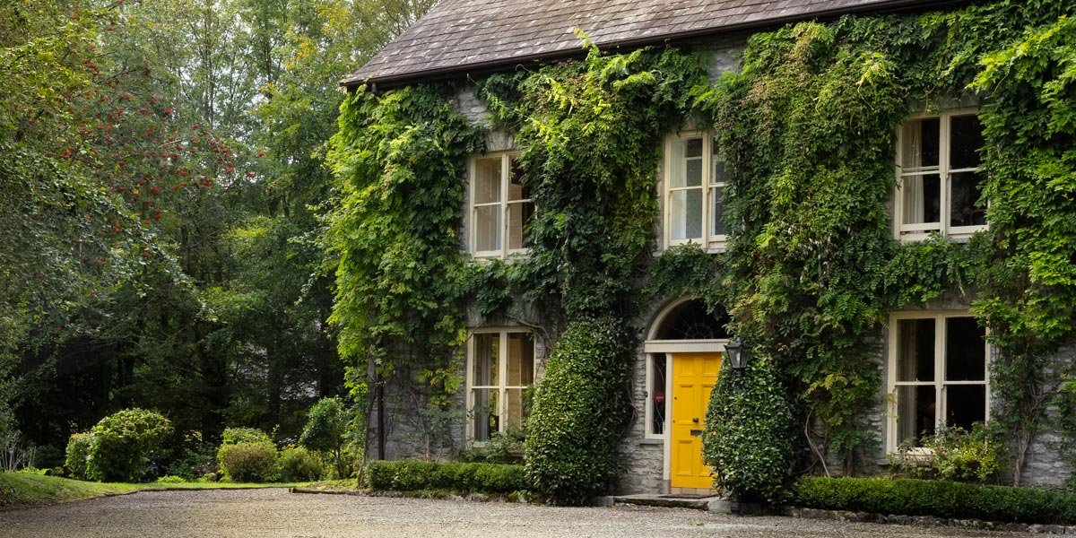 COUNTRY HOUSE, IRELAND